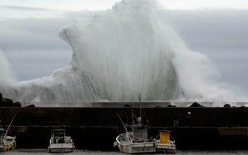 Τουλάχιστον 58 άνθρωποι έχασαν τη ζωή τους εξαιτίας του τυφώνα Χαγκίμπις