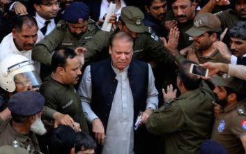 Ελεύθερος με εγγύηση για λόγους υγείας ο πρώην πρωθυπουργός του Πακιστάν