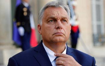 Η Ουγγαρία απειλεί με βία στα σύνορα με τη Σερβία για να αποκρούσει νέο κύμα μεταναστών