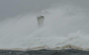Ιαπωνία: Προειδοποίηση σε εκατοντάδες χιλιάδες κατοίκους για τον τυφώνα Χαγκίμπις