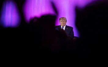 Φόβοι για τη ζωή του πληροφοριοδότη στο θέμα της παραπομπής του Τραμπ