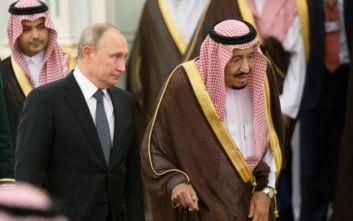 Στη Σαουδική Αραβία ο Πούτιν: Στο επίκεντρο η τιμή του πετρελαίου και η Συρία