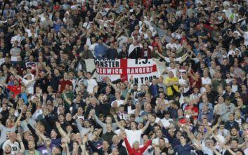 Το σύνθημα-απάντηση των Άγγλων οπαδών στους ρατσιστές των κερκίδων