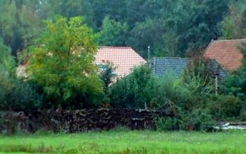 Ανακρίνεται άνδρας που πλήρωνε το ενοίκιο για την οικογένεια που ζούσε κρυμμένη σε αγρόκτημα για χρόνια