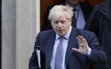 Βρετανία: Νέα δημοσκόπηση δίνει προβάδισμα 7% στους Συντηρητικούς του Τζόνσον