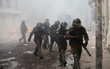 Χιλή: Έρευνα σε βάρος 14 αστυνομικών για βασανιστήρια διαδηλωτών ζητά εισαγγελέας