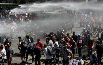 Χιλή: Χάος και νέα επεισόδια κοντά στο προεδρικό ανάκτορο