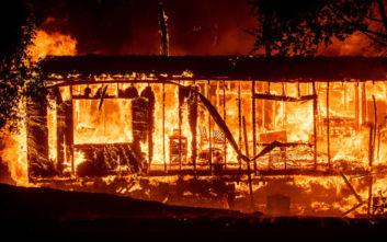 Χιλή: Μεγάλη πυρκαγιά σε φτωχή συνοικία της πόλης Βαλπαραΐσο