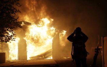Μεγάλες πυρκαγιές μαίνονται στην Καλιφόρνια