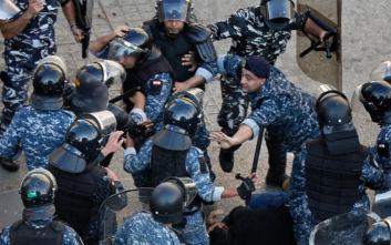 Λίβανος: Ο στρατός ζητάει από τους πολίτες να ανοίξουν τα οδοφράγματα