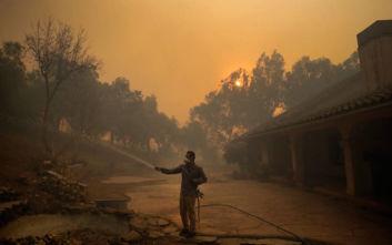Εφιάλτης με τις φλόγες στην Καλιφόρνια: Νέα πύρινα μέτωπα