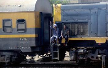 Τραγωδία στην Αίγυπτο, όταν ελεγκτής εισιτηρίων διέταξε επιβάτες να κατέβουν από το τρένο εν κινήσει