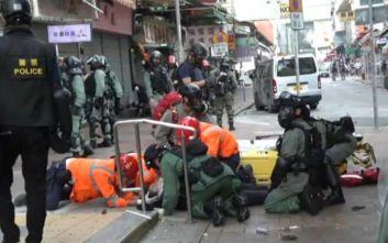 Χόνγκ Κονγκ: Σε κρίσιμη κατάσταση ο τραυματίας από σφαίρα αστυνομικού