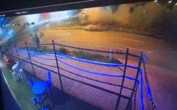 Σοκαριστικό τροχαίο για μποξέρ, εκτοξεύτηκε από τη Ferrari του
