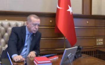 Το βίντεο από τη στιγμή που ο Ερντογάν δίνει την εντολή για την εισβολή στη Συρία