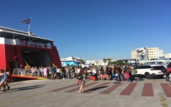 Αυξημένη η κίνηση στο λιμάνι του Πειραιά λόγω τριημέρου