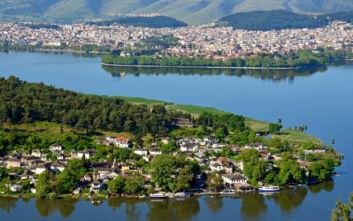 Ιωάννινα, η πόλη δίπλα στη λίμνη