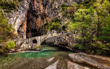 Σκηνικό άγριας ομορφιάς στο Γεφύρι της Πορτίτσας