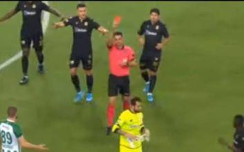 Η πιο... ανόητη αποβολή: Τερματοφύλακας πήρε κόκκινη κάρτα στα 13 δευτερόλεπτα