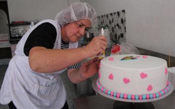 Η Άιντα από τη Βοσνία που στάθηκε στα πόδια της και έκανε το χόμπι της επιχείρηση