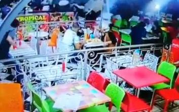 Μεθυσμένος οδηγός στο Μαρόκο έπεσε με το αυτοκίνητο πάνω σε θαμώνες εστιατορίου