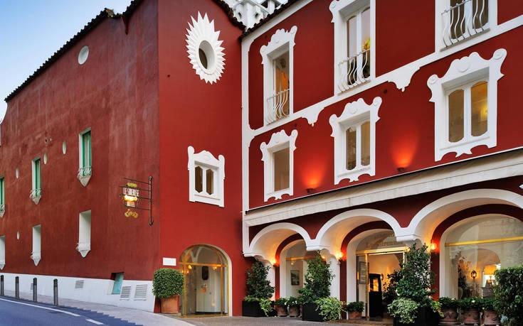 To ιστορικό ξενοδοχείο του Ποζιτάνο που μαγεύει τον κόσμο εδώ και 68 χρόνια – Newsbeast