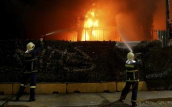 Ελαιώνας: Φωτιά κοντά στο hot spot