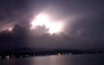 Καιρός - Σε ισχύ το έκτακτο δελτίο επιδείνωσης: Καταιγίδες και κεραυνοί στην Πελοπόννησο
