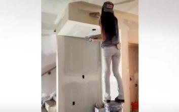 Ένας τρόπος να βάψεις τους τοίχους αν δεν έχεις σκάλα