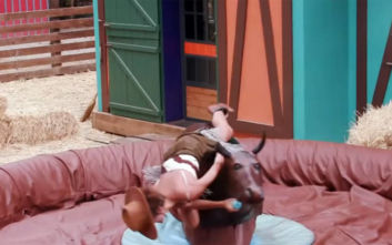 GNTM 2: Στο αποψινό επεισόδιο τα κορίτσια φωτογραφίζονται πάνω σε έναν… μαινόμενο ταύρο