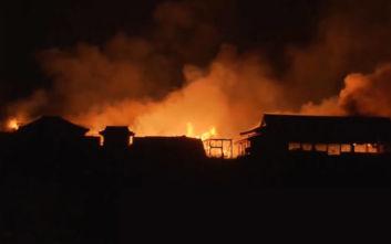 Στις φλόγες το κάστρο του Σούρι, μνημείο παγκόσμιας κληρονομιάς της UNESCO