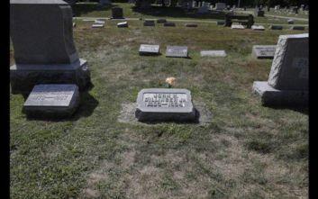 Είναι ο διαβόητος γκάνγκστερ Τζον Ντίλιντζερ όντως θαμμένος σε ένα κοιμητήριο της Ιντιάνα;