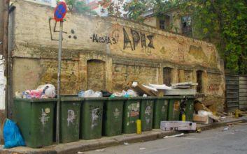Μένουμε σπίτι, αλλά καταναλώνουμε το ίδιο με πριν: Ο όγκος των σκουπιδιών παραμένει ίδιος