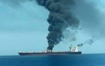 Έκρηξη σε ιρανικό τάνκερ: Για επίθεση με πυραύλους κάνει λόγο η Τεχεράνη