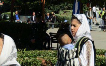 28η Οκτωβρίου: Μαμά έκανε παρέλαση μαζί με το μωρό της