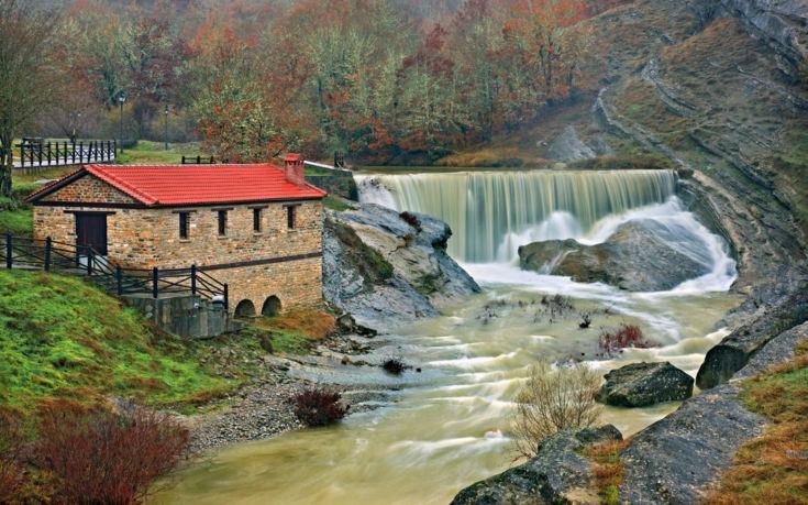 Ένα υπέροχο σκηνικό στον ποταμό Πραμόριτσα