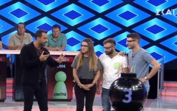 Boom: Ο Σάκης Τανιμανίδης τηλεφώνησε on air στον Αργυρό για να βοηθήσει σε ερώτηση
