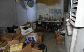 Έπαιρναν άδεια μπουκάλια από μαγαζιά και εμφιάλωναν παράνομα ποτά