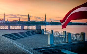 Βανδάλισαν μνημείο προς τιμήν των σοβιετικών στρατιωτών στη Λετονία