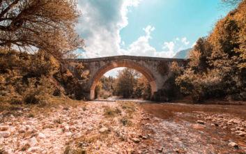 Μύθοι και θρύλοι γύρω από τη γέφυρα των αιγών ανατολικά του Σαράγεβο