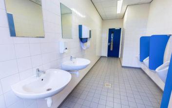 Μαθητής άναψε το φως στις τουαλέτες του σχολείου κι έπαθε ηλεκτροπληξία
