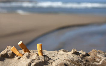 Απαγόρευση του καπνίσματος σε πάρκα και παραλίες θέλει η ιταλική Επιτροπή Βιοηθικής