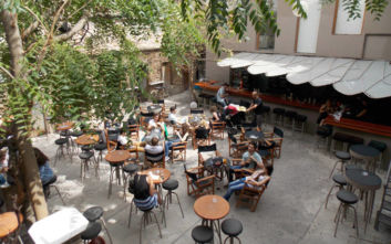Πού να πιείτε τον καφέ σας στο Μοναστηράκι