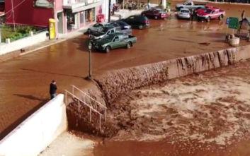 Αποκαλυπτικές εικόνες από την κακοκαιρία στη Κεφαλονιά με καταρράκτη... λάσπης