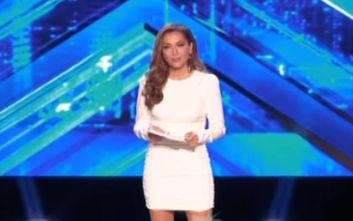 X-Factor: Το κομπλιμέντο του Τσαουσόπουλου για το λευκό μίνι φόρεμα της Βανδή