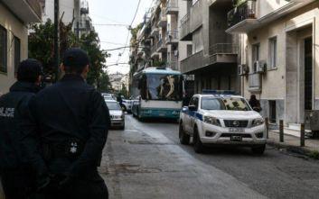 Εξάρχεια: Παραμένουν στο σημείο αστυνομικές δυνάμεις, αποκλεισμένη η περιοχή