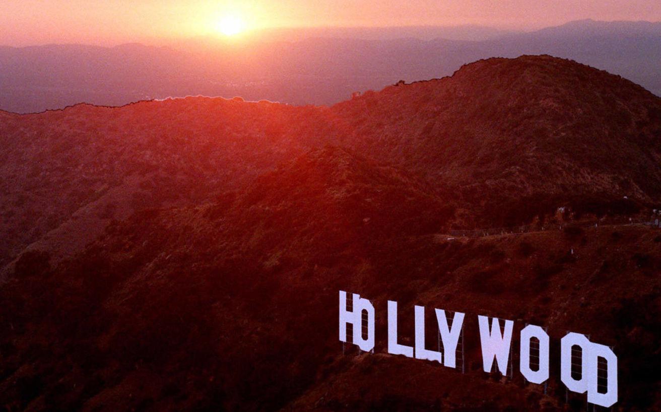 Η περιπετειώδης ιστορία της πινακίδας του Χόλιγουντ