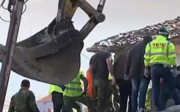 Μαρτυρίες Ελλήνων για τον σεισμό στην Αλβανία: «Αισθανόμουν σαν να έπεφταν βόμβες γύρω μου»