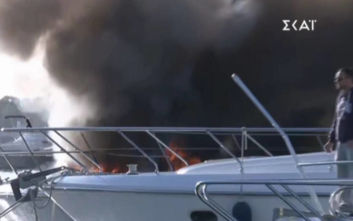 Φλέγεται και δεύτερο σκάφος στη Μαρίνα Γλυφάδας