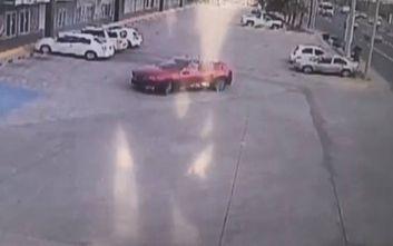 Ανατριχιαστικό βίντεο: Ένοπλοι γαζώνουν με 150 σφαίρες τον αστυνομικό που συνέλαβε τον γιο του Ελ Τσάπο